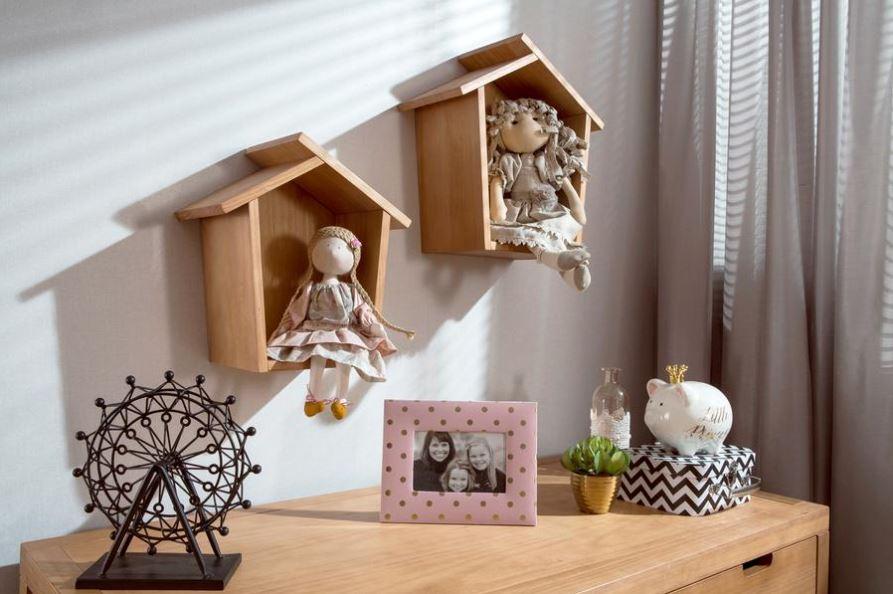 Mid Century Retro Shelf